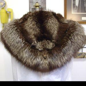 Beautiful Vintage 3-Head Fox Fur Stole / Wrap